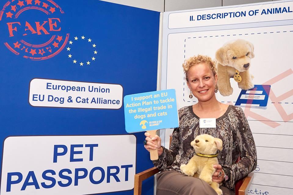 In Europa per chiedere misure contro il traffico di cuccioli