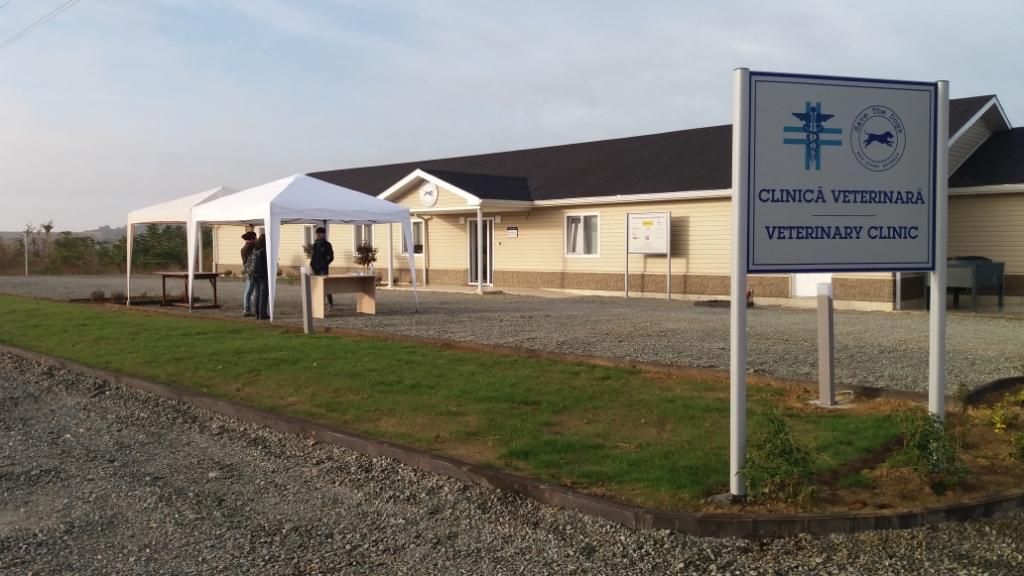 L'ingresso della nuova clinica