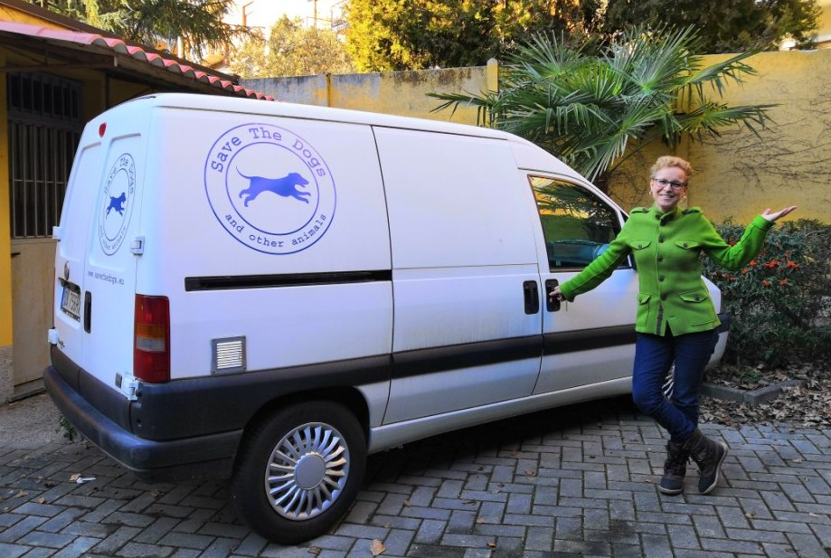 A new van for Save the Dogs!